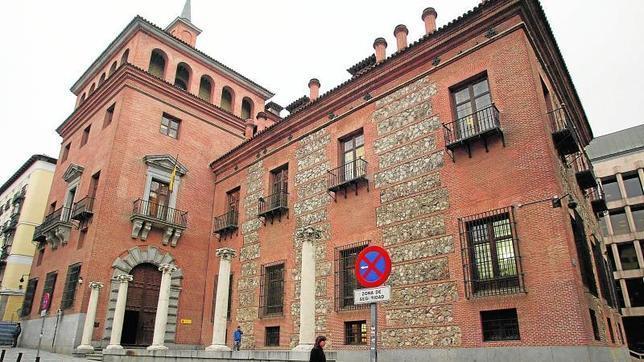 misterio de la casa de las siete chimeneas en Madrid