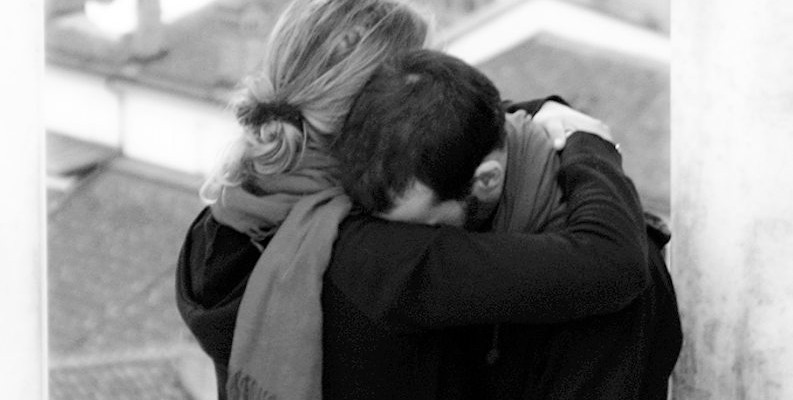 lloran aries hombre mujer por amor
